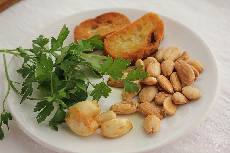 Patatas en ajopollo con almejas receta www.cocinandoentreolivos.com (12)