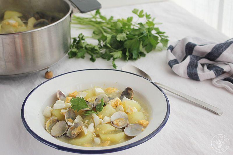 Patatas en ajopollo con almejas receta www.cocinandoentreolivos.com (5)
