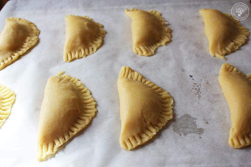 Robiols o Empanadillas de requeson receta www.cocinandoentreolivos.com (1)