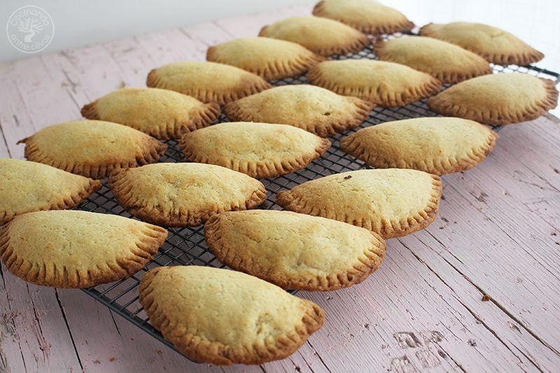 Robiols o Empanadillas de requeson receta www.cocinandoentreolivos.com (4)