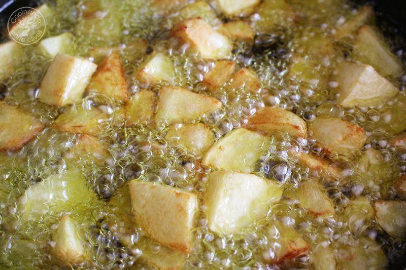 Conejo al ajillo receta www.cocinandoentreolivos.com