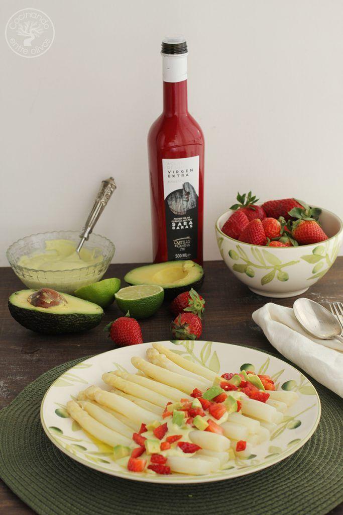 Esparragos blancos frescos con mayonesa de aguacate receta (1)