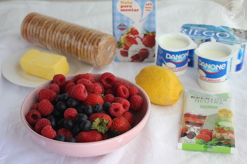Tarta de yogur con frutos rojos www.cocinandoentreolivos.com 1