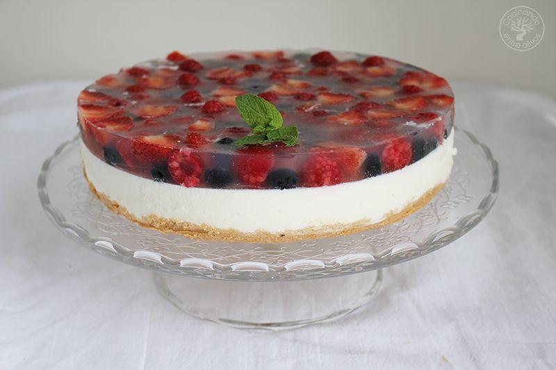 Tarta de yogur con frutos rojos www.cocinandoentreolivos.com (24)
