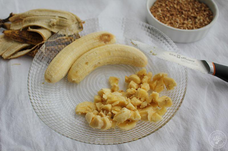 Bizcocho de platano y almendra receta www.cocinandoentreolivos.com (13)