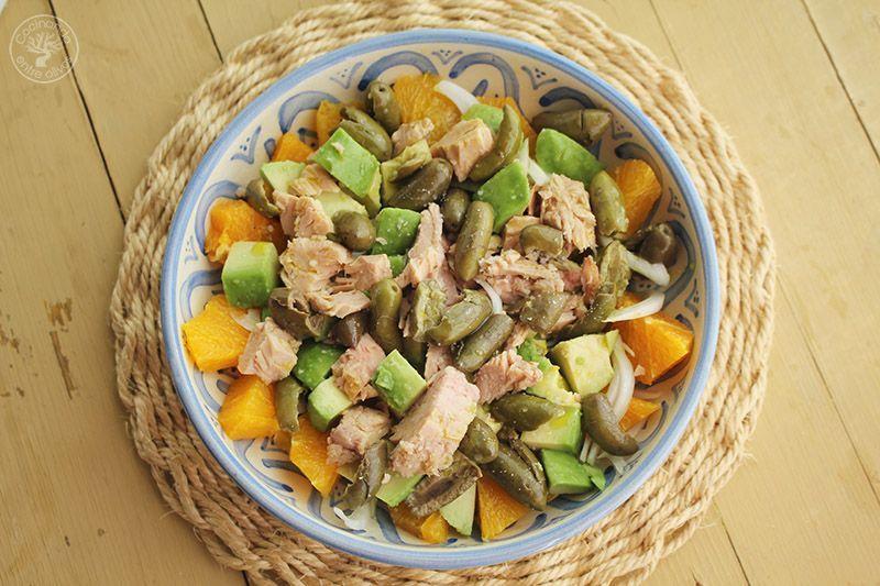 Ensalada de naranja, aguacate, atún y aceitunas receta (18)