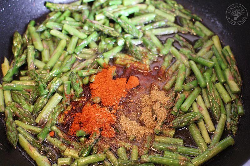 Esparragos verdes esparragados receta www.cocinandoentreolivos.com