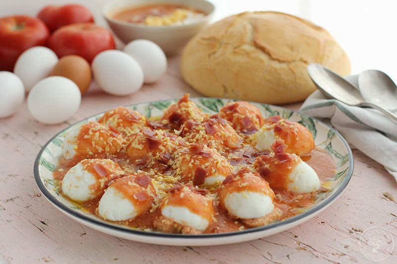 Huevos rellenos de salmorejo y jamon receta (2)