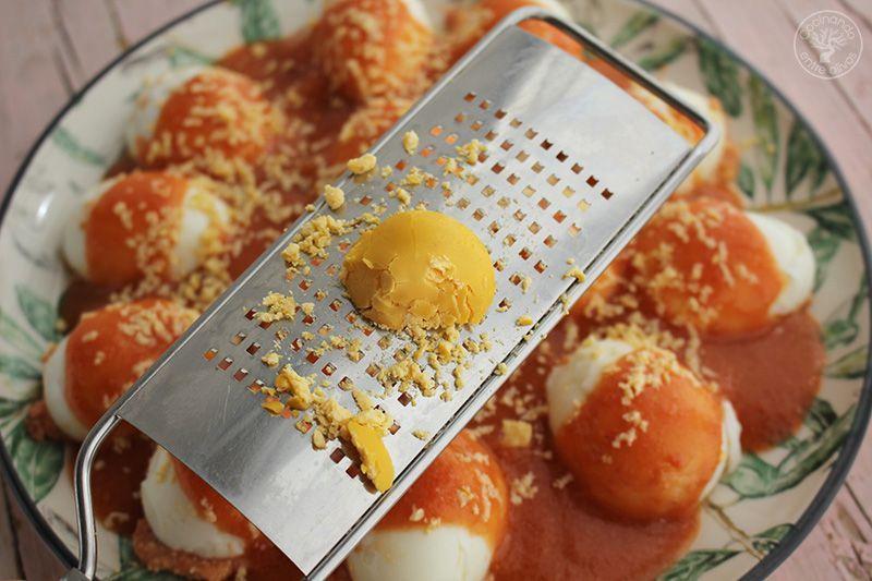 Huevos rellenos de salmorejo y jamon receta (20)