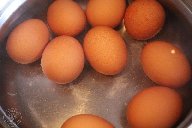Huevos rellenos de salmorejo y jamon receta (3)