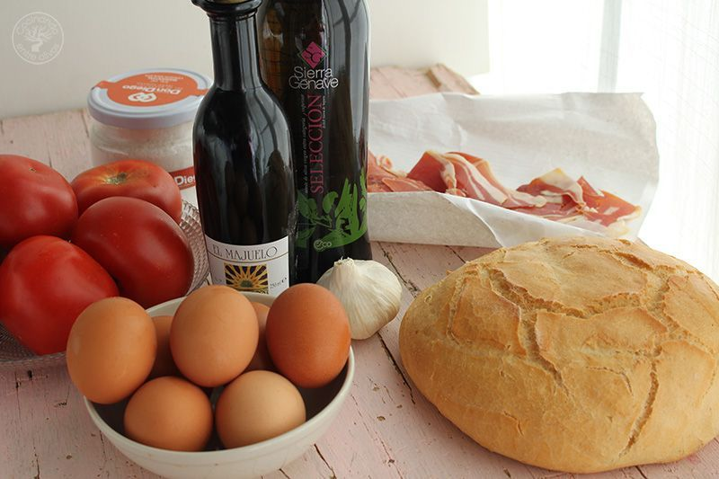 Huevos rellenos de salmorejo y jamon receta (5)
