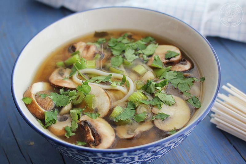 Sopa de miso con fideos udon receta www.cocinandoentreolivos.com (18)