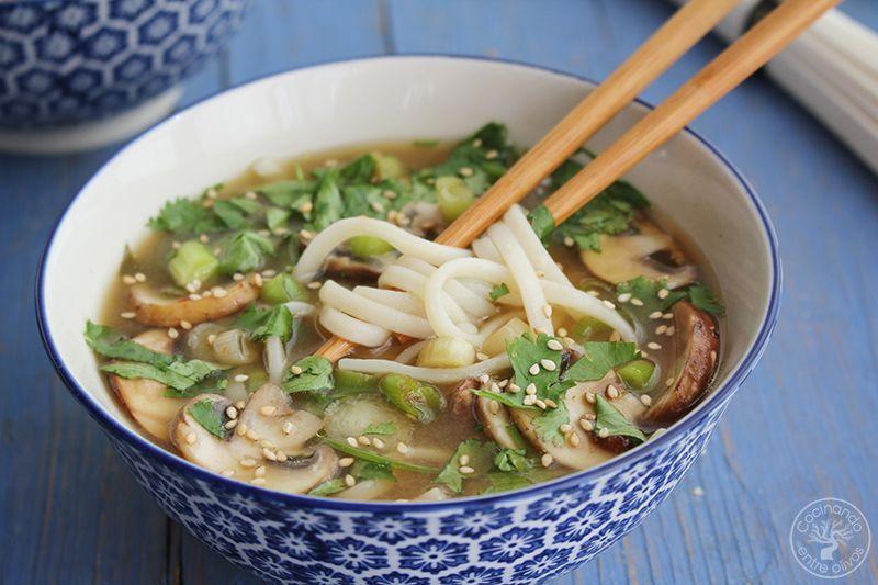 Sopa de miso con fideos udon receta www.cocinandoentreolivos.com (20)