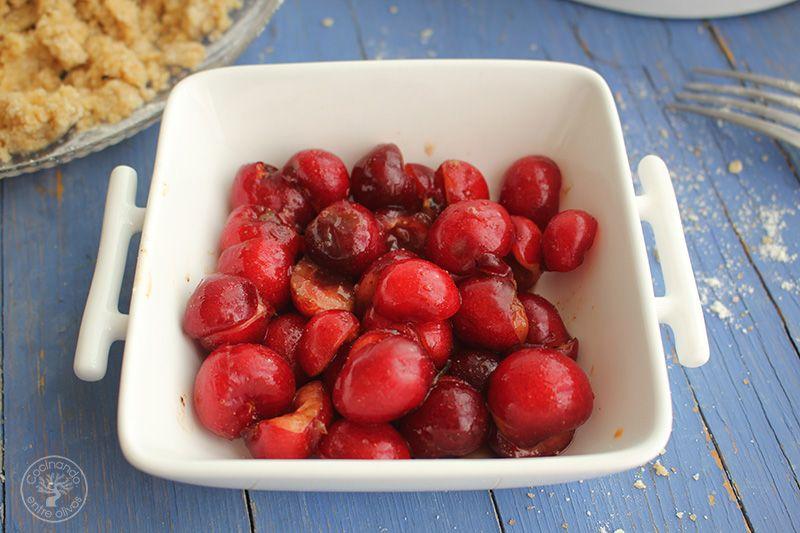 Crumble de cerezas www.cocinandoentreolivos.com (15)
