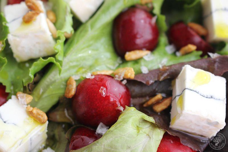 Ensalada de cerezas y queso www.cocinandoentreolivos.com (11)