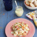 Ensaladilla de patata, palitos de cangrejo, atun y lactonesa (16)