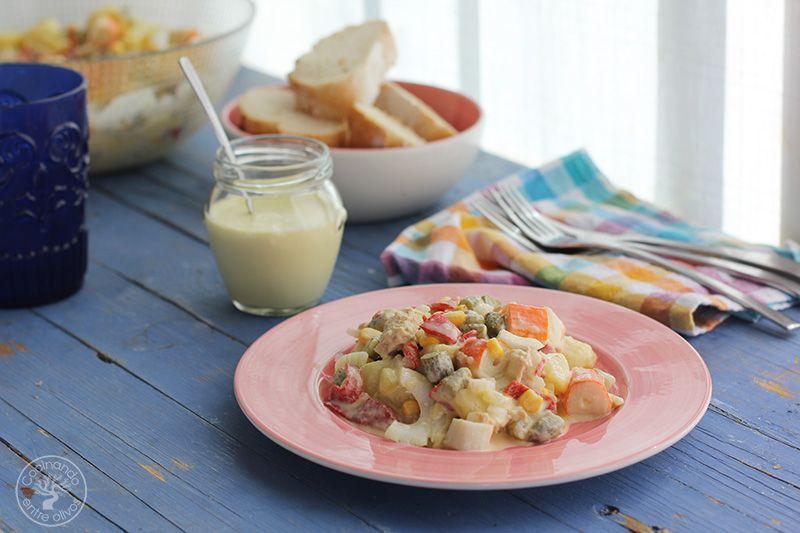 Ensaladilla de patata, palitos de cangrejo, atun y lactonesa (17)