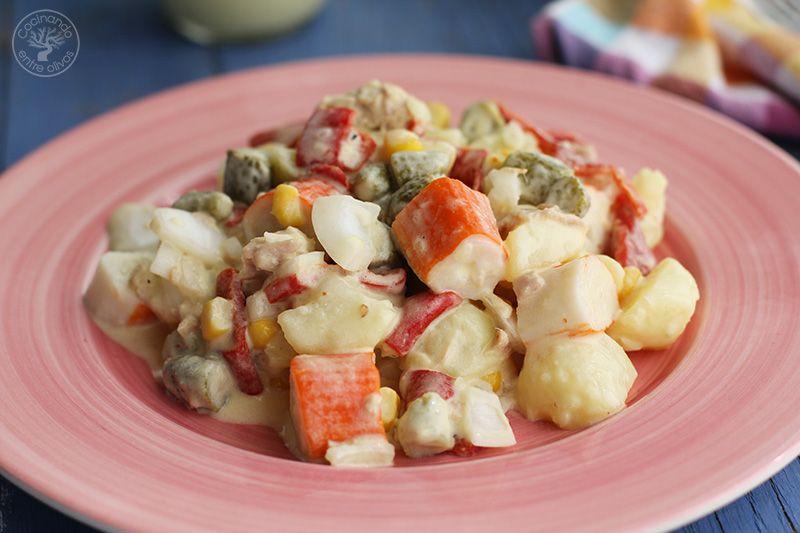 Ensaladilla de patata, palitos de cangrejo, atun y lactonesa (18)