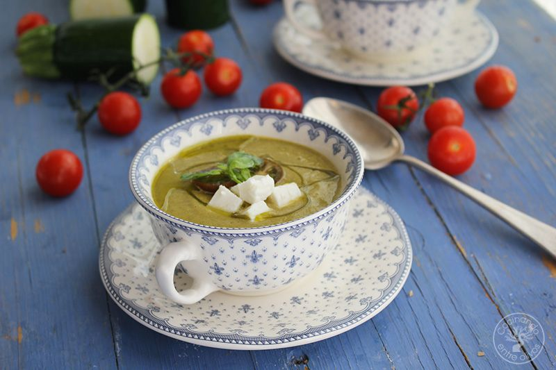 Gazpacho de calabacin con queso www.cocinandoentreolivos.com (2)