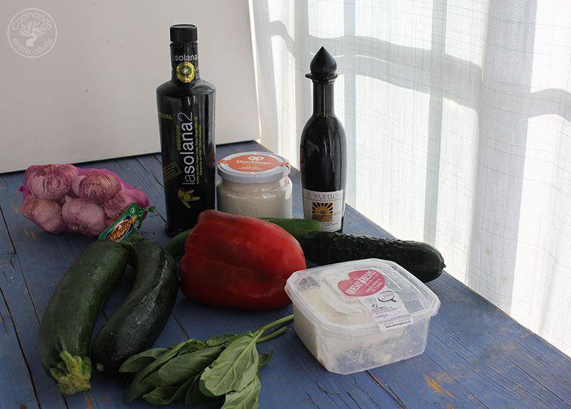 Gazpacho de calabacin con queso www.cocinandoentreolivos.com (4)