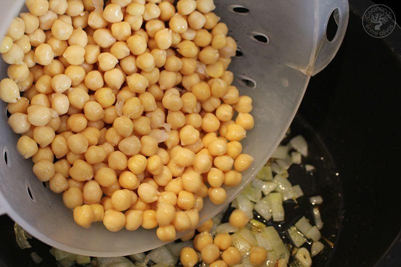 Garbanzos con pulpo www.cocinandoentreolivos.com (6)