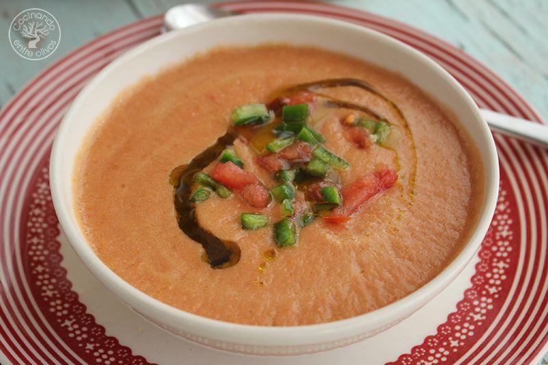 Gazpacho andaluz receta www.cocinandoentreolivos.com (11)