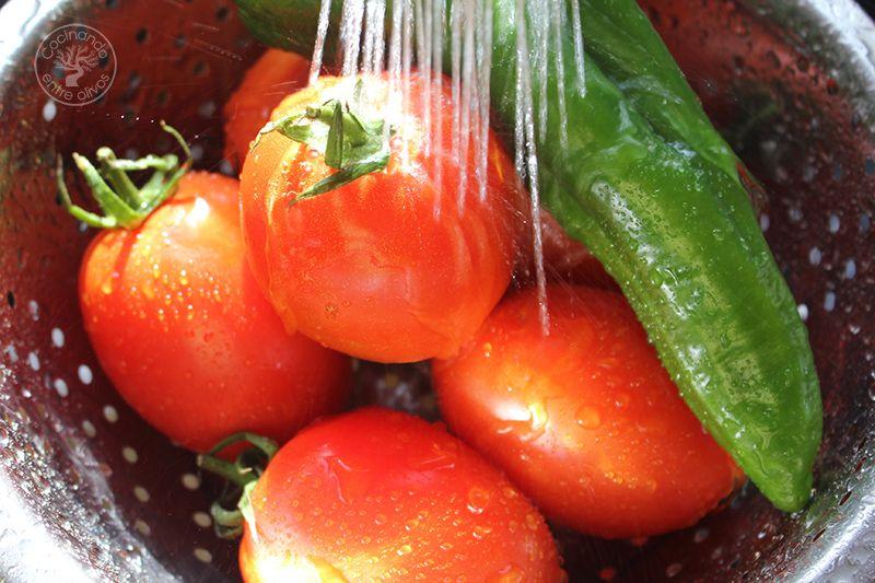 Gazpacho andaluz receta www.cocinandoentreolivos.com (3)
