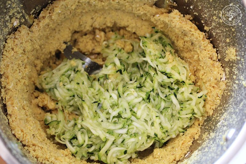Hamburguesa payaso de garbanzos y calabacin www.cocinandoentreolivos.com (12)