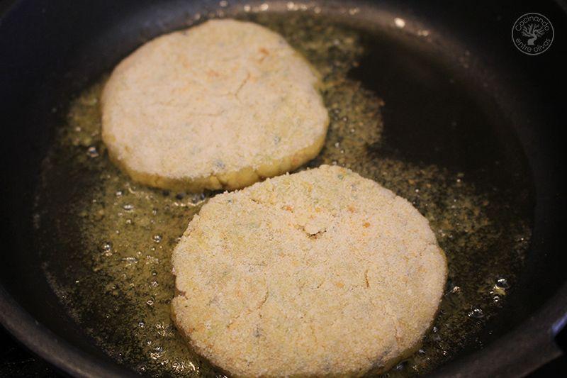 Hamburguesa payaso de garbanzos y calabacin www.cocinandoentreolivos.com (15)