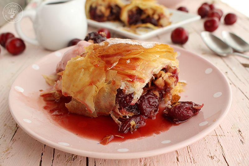 Strudel de cerezas y almendras www.cocinandoentreolivos.com (14)