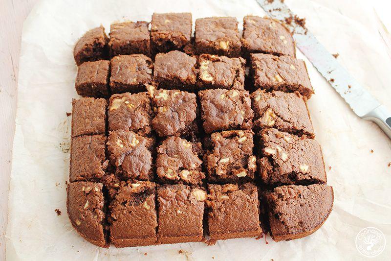 e chocolate a la taza, nueces y cerezas (17)