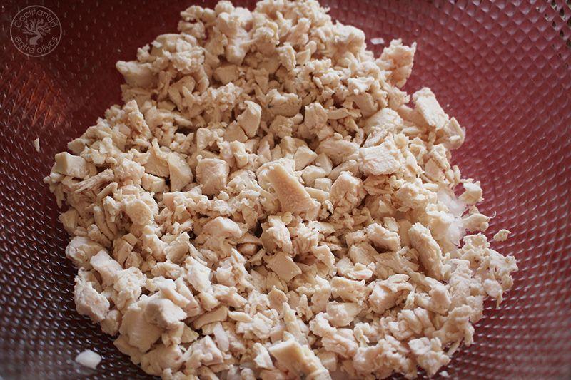 Huevos rellenos de pollo www.cocinandoentreolivos.com (19)