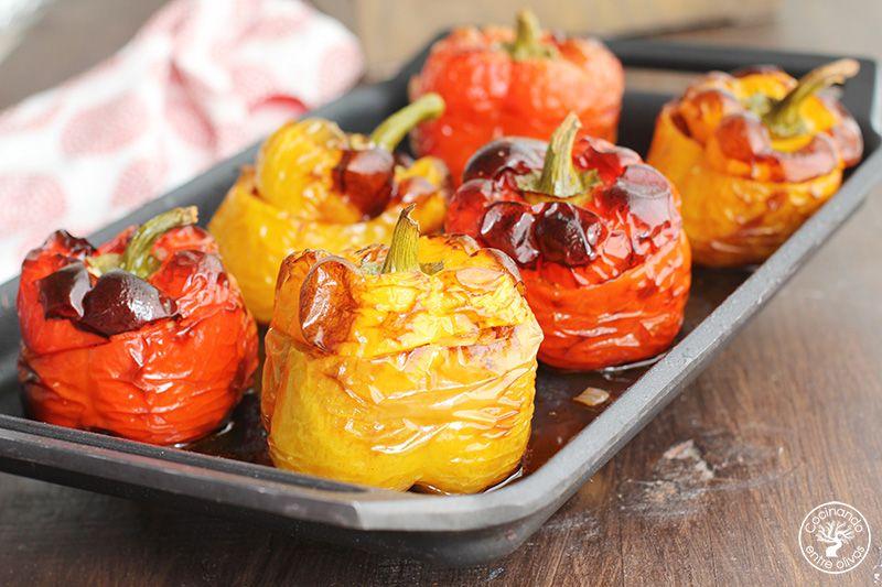 Pimientos rojos y amarillos rellenos de carne (11)