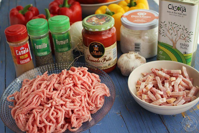 Pimientos rojos y amarillos rellenos de carne (3)