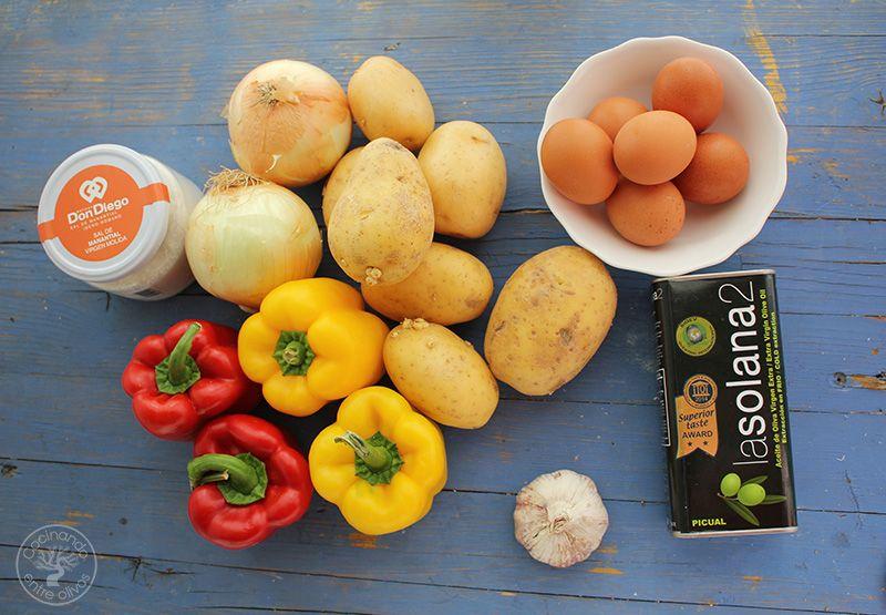 Revuelto de patatas, cebolla y pimientos rojos y amarillos (5)