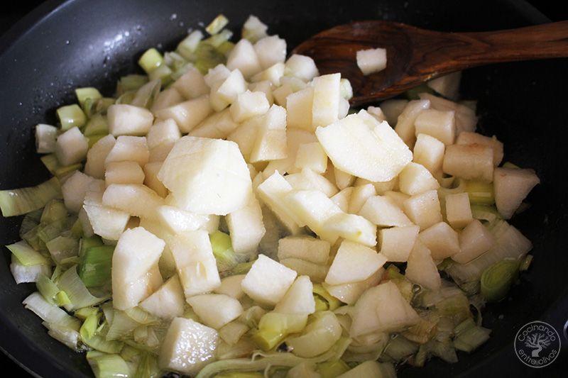 Tarta salada de peras, queso azul y puerros (15)