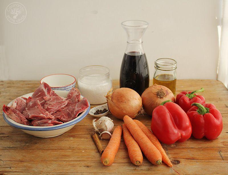 Carrilleras en salsa de vino tinto a la canela (1)