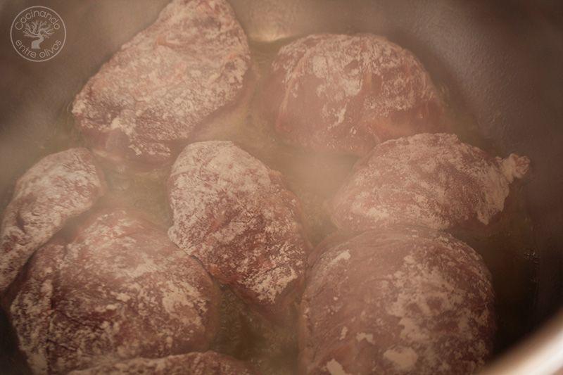 Carrilleras en salsa de vino tinto a la canela (4)