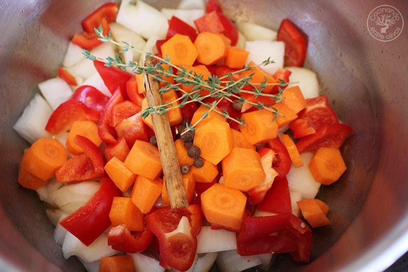 Carrilleras en salsa de vino tinto a la canela (6)
