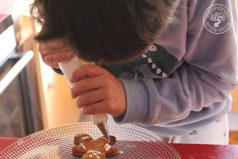 Como hacer galletas de jengibre para Navidad (16)