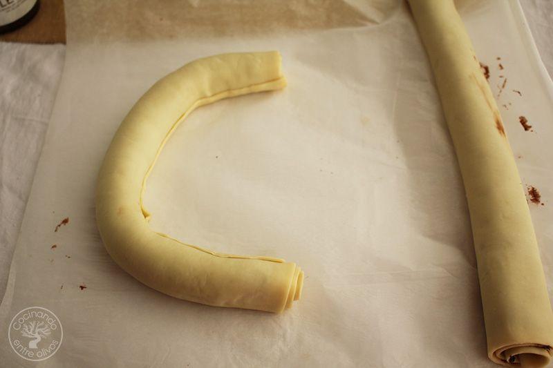 Como hacer una Corona de Adviento de hojaldre y chocolate (7)