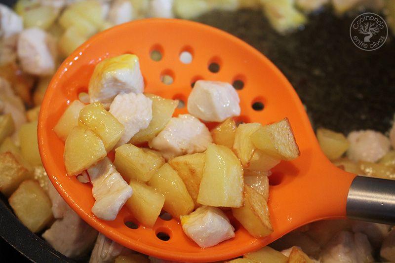Guisantes con pollo y patatas (12)