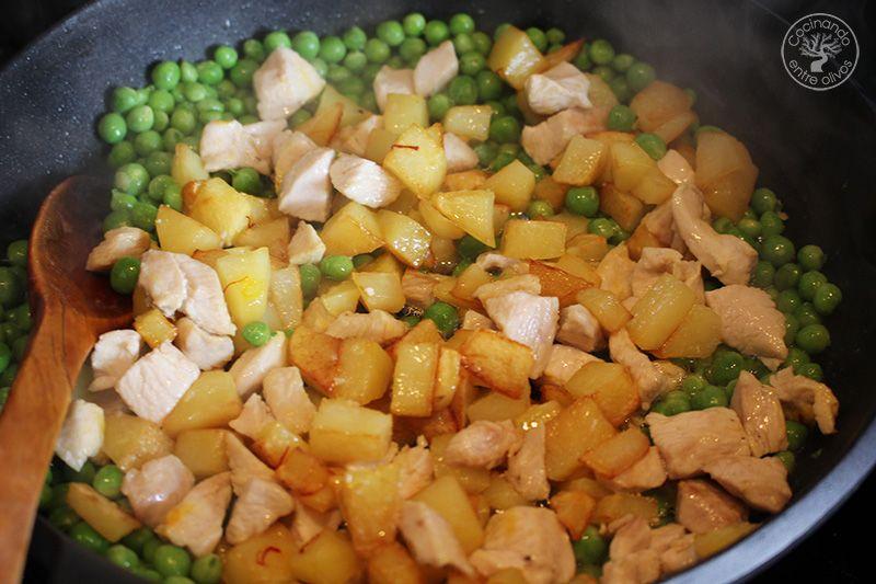 Guisantes con pollo y patatas (13)