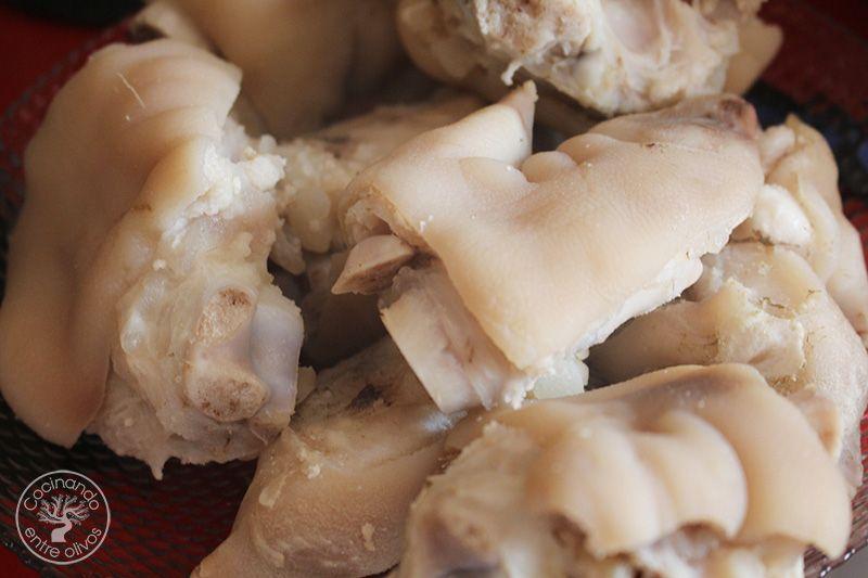 Manitas de cerdo en salsa de almendras (5)
