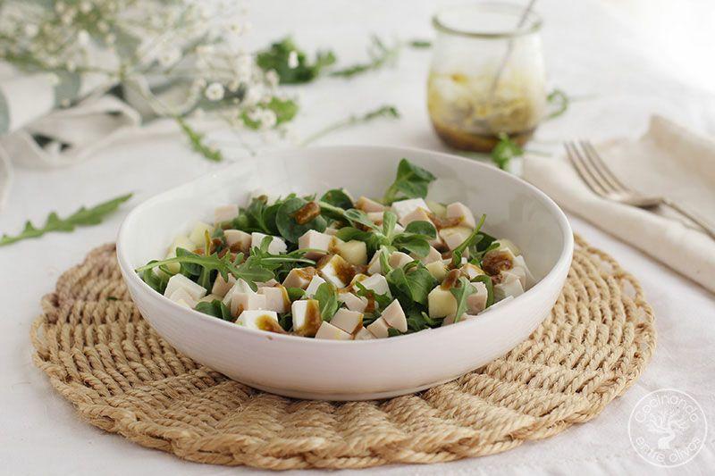 Ensalada-de-manzana,-pavo-y-queso-fresco-con-vinagreta-de-mostaza-(22)