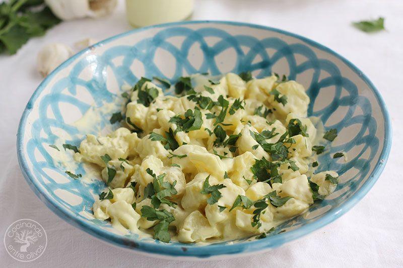 Patatas-con-alioli-de-leche-y-flarrosquin-(3)