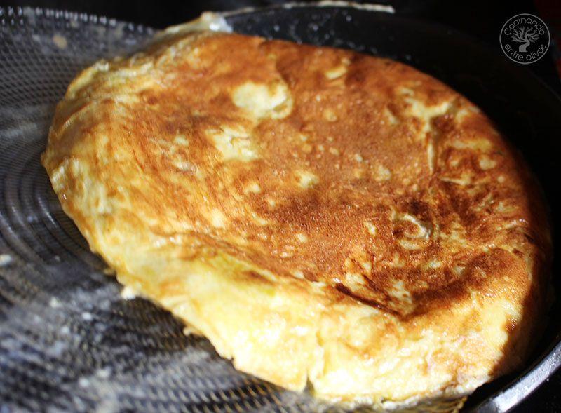 Tortilla-de-bacalao-y-calsots-(12)