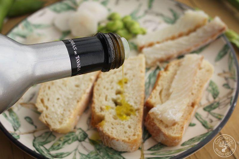 Pan-con-aceite,-habas-y-bacalao-Jaen-(8)