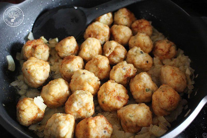 Albondigas-de-pollo-en-pepitoria-receta-(5)