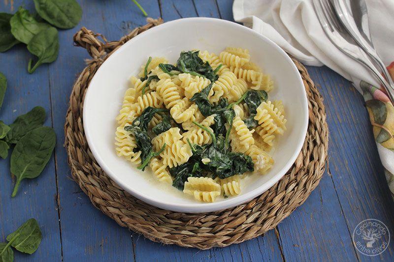 Pasta-con-espinacas-y-queso-azul--(1)